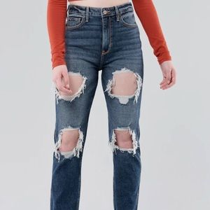 Hollister Ultra High Rise Mom Jeans Ripped Short